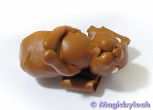 Brown Clay Rabbit front paws 2